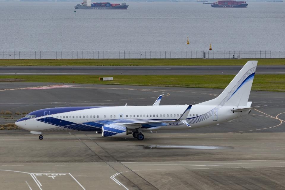 Mochi7D2さんのEIEイーグル Boeing 737-800 (N737M) 航空フォト