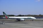 twinengineさんが、成田国際空港で撮影したアリタリア航空 777-243/ERの航空フォト(写真)