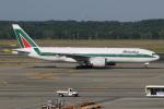 kinsanさんが、ミラノ・マルペンサ空港で撮影したアリタリア航空 777-243/ERの航空フォト(写真)