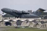 しんちゃん007さんが、嘉手納飛行場で撮影したアメリカ空軍 C-17A Globemaster IIIの航空フォト(写真)