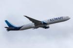 Koenig117さんが、ロンドン・ヒースロー空港で撮影したクウェート航空 777-369/ERの航空フォト(写真)