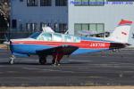 いおりさんが、調布飛行場で撮影した日本法人所有 A36 Bonanza 36の航空フォト(写真)