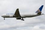 Koenig117さんが、ロンドン・ヒースロー空港で撮影したユナイテッド航空 777-222/ERの航空フォト(写真)