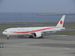 F.Kaito.⊿46さんが、羽田空港で撮影した航空自衛隊 777-3SB/ERの航空フォト(写真)