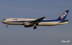 RINA-281さんが、小松空港で撮影した全日空 767-381の航空フォト(写真)