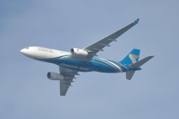 cornicheさんが、ドーハ・ハマド国際空港で撮影したオマーン航空 A330-243の航空フォト(写真)
