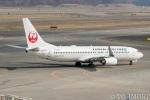 遠森一郎さんが、新千歳空港で撮影した日本航空 737-846の航空フォト(写真)