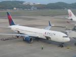 flyflygoさんが、福岡空港で撮影したデルタ航空 767-332/ERの航空フォト(写真)