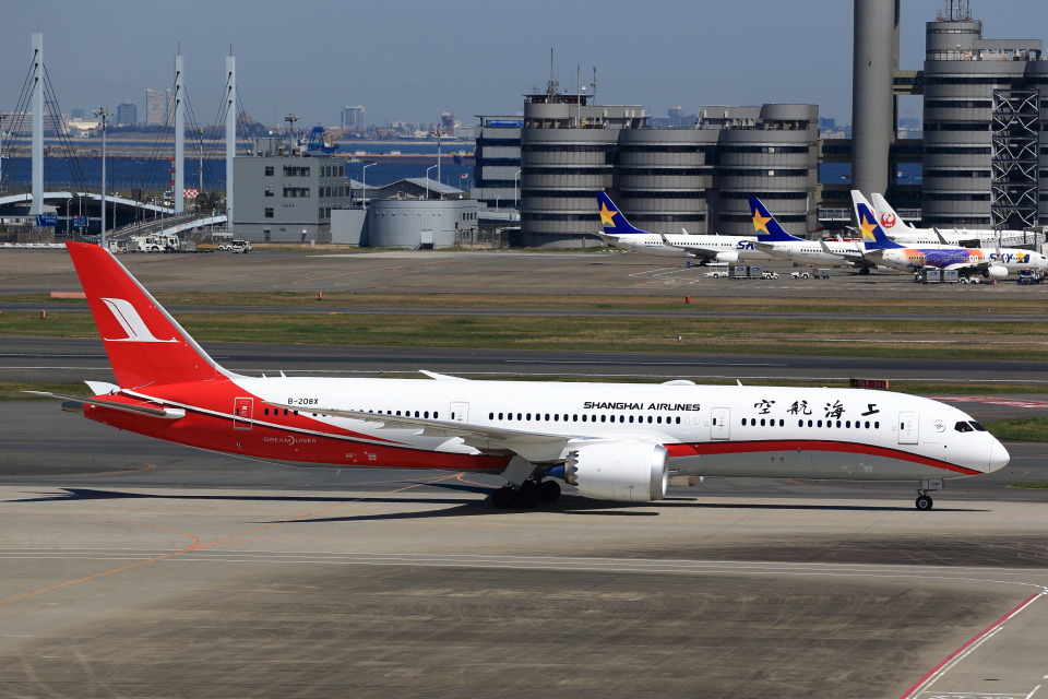 T.Sazenさんの上海航空 Boeing 787-9 (B-208X) 航空フォト