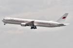 冷やし中華始めましたさんが、関西国際空港で撮影したバーレーン王室航空 767-4FS/ERの航空フォト(写真)