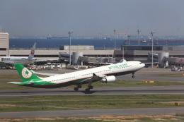 T.Sazenさんが、羽田空港で撮影したエバー航空 A330-302の航空フォト(写真)