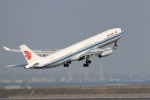 KAZFLYERさんが、羽田空港で撮影した中国国際航空 A330-343Eの航空フォト(写真)