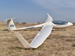 とびたさんが、読売加須滑空場で撮影した日本個人所有 ASW 28の航空フォト(飛行機 写真・画像)