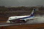 ひげおやじさんが、富山空港で撮影した全日空 767-381/ERの航空フォト(飛行機 写真・画像)