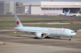 KAZFLYERさんが、羽田空港で撮影したエア・カナダ 777-333/ERの航空フォト(写真)