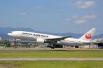 ひろえもんさんが、福岡空港で撮影した日本航空 777-246の航空フォト(写真)