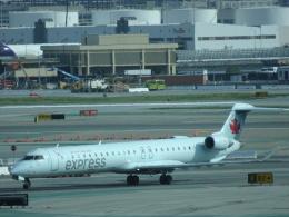 worldstarさんが、サンフランシスコ国際空港で撮影したエア・カナダ ジャズ CL-600-2D15 Regional Jet CRJ-705ERの航空フォト(飛行機 写真・画像)