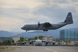 382kossyさんが、横田基地で撮影したアメリカ空軍 C-130J-30 Herculesの航空フォト(飛行機 写真・画像)