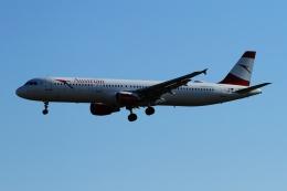 twining07さんが、ロンドン・ヒースロー空港で撮影したオーストリア航空 A321-111の航空フォト(飛行機 写真・画像)