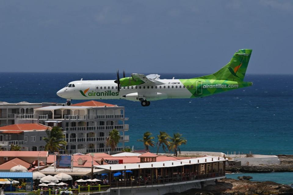 nobu2000さんのエア・アンティル・エクスプレス ATR 72 (F-OMYM) 航空フォト