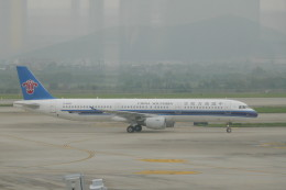 KKiSMさんが、南京禄口国際空港で撮影した中国南方航空 A321-211の航空フォト(飛行機 写真・画像)