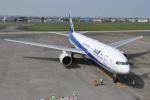 ケツメイシ宮崎~KMIさんが、宮崎空港で撮影した全日空 777-281の航空フォト(写真)