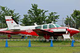 Jin Bergqiさんが、成田国際空港で撮影した毎日新聞社 56TC Turbo Baronの航空フォト(写真)