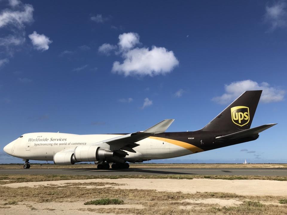 gratiii738さんのUPS航空 Boeing 747-400 (N582UP) 航空フォト
