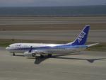 はやたいさんが、中部国際空港で撮影した全日空 737-881の航空フォト(写真)
