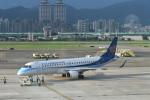 kuro2059さんが、台北松山空港で撮影したマンダリン航空 ERJ-190-100 IGW (ERJ-190AR)の航空フォト(写真)