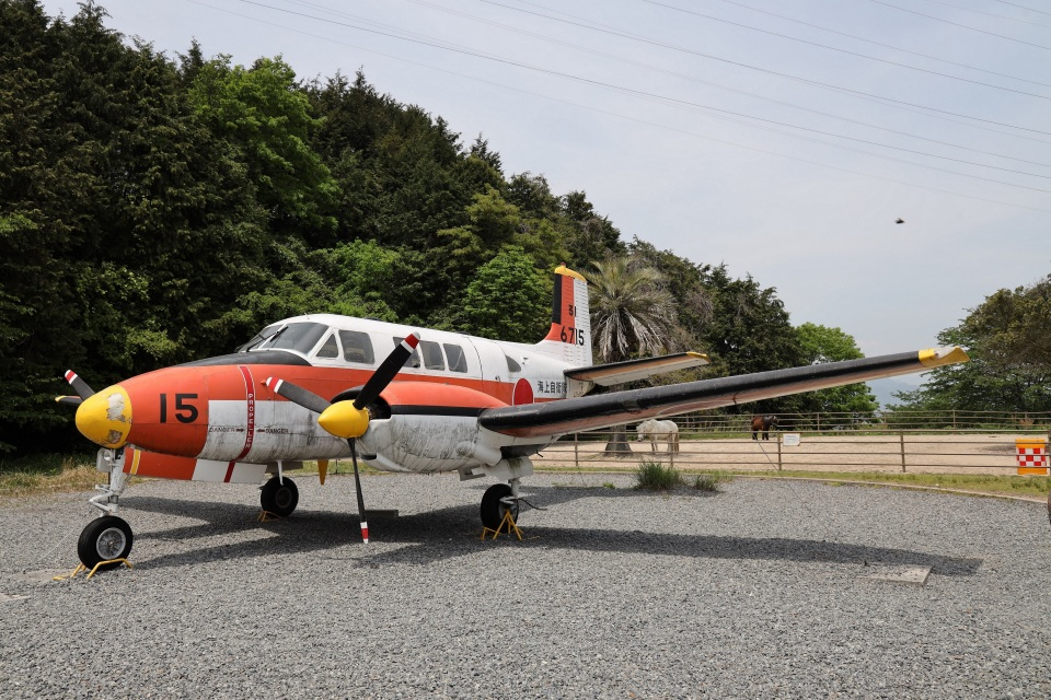 MIRAGE E.Rさんの海上自衛隊 Beechcraft Queen Air (6715) 航空フォト