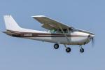 Y-Kenzoさんが、龍ケ崎飛行場で撮影した日本個人所有 172P Skyhawk IIの航空フォト(写真)