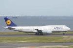 Re4/4さんが、羽田空港で撮影したルフトハンザドイツ航空 747-830の航空フォト(写真)
