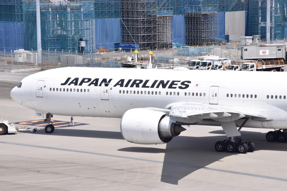 るかぬすさんの日本航空 Boeing 777-300 (JA738J) 航空フォト