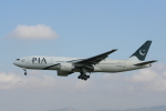 NIKEさんが、バルセロナ空港で撮影したパキスタン国際航空 777-240/ERの航空フォト(写真)