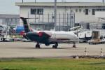 left eyeさんが、高松空港で撮影したマン島企業所有 EMB-135BJ Legacy 650の航空フォト(写真)