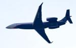 くれないさんが、関西国際空港で撮影したマン島企業所有 EMB-135BJ Legacy 650の航空フォト(写真)