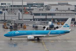 starlightさんが、ミュンヘン・フランツヨーゼフシュトラウス空港で撮影したKLMオランダ航空 737-8K2の航空フォト(飛行機 写真・画像)