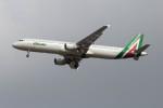 Koenig117さんが、ロンドン・ヒースロー空港で撮影したアリタリア航空 A321-112の航空フォト(写真)