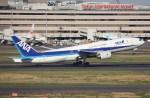 BOEING737MAX-8さんが、羽田空港で撮影した全日空 777-281の航空フォト(写真)
