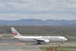 シャークレットさんが、新千歳空港で撮影した日本航空 767-346/ERの航空フォト(写真)