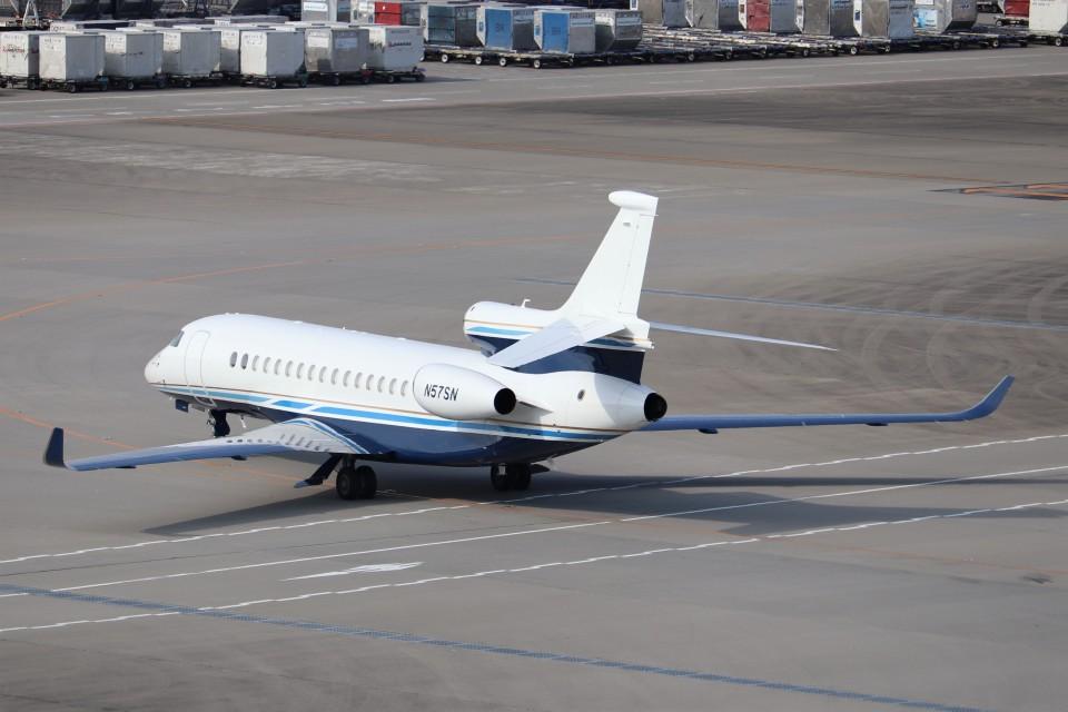 KAZFLYERさんのユタ銀行 Dassault Falcon 8X (N57SN) 航空フォト