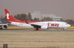 yabyanさんが、成田国際空港で撮影したティーウェイ航空 737-8ASの航空フォト(写真)