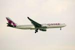 まいけるさんが、スワンナプーム国際空港で撮影したカタール航空 A330-302の航空フォト(写真)