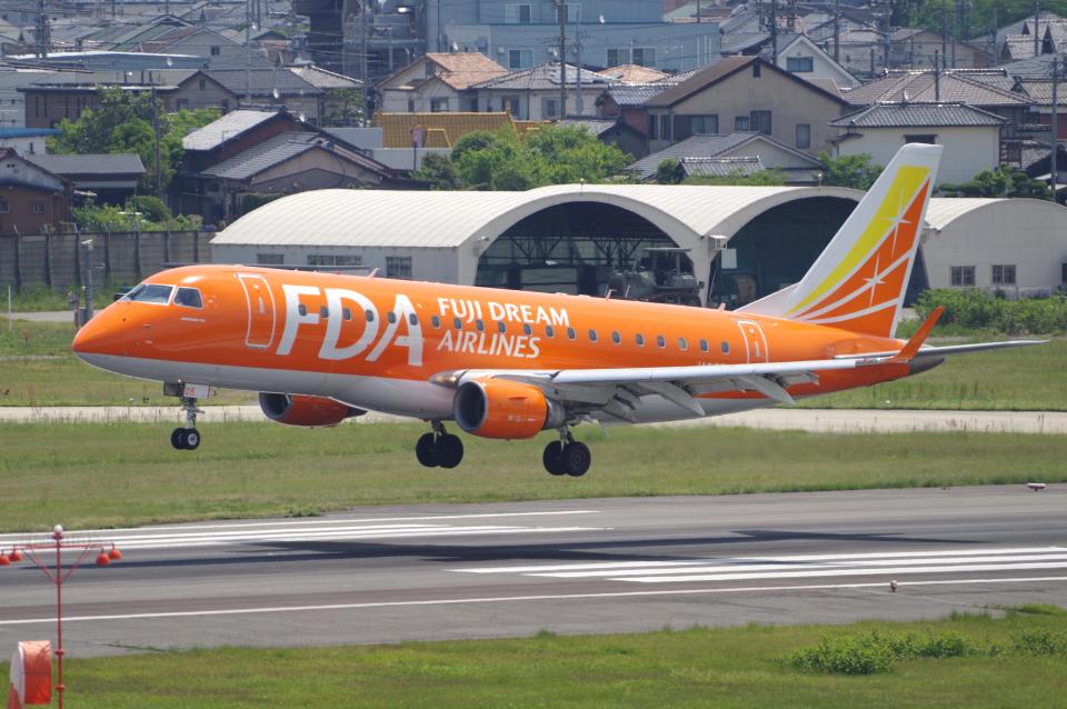 yabyanさんのフジドリームエアラインズ Embraer ERJ-175 (JA05FJ) 航空フォト