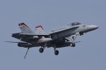 eikas11さんが、岩国空港で撮影したアメリカ海兵隊 F/A-18D Hornetの航空フォト(写真)
