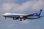 team 2stroke fiveさんが、仙台空港で撮影した全日空 767-381/ERの航空フォト(写真)