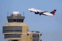BOSTONさんが、ミネアポリス・セントポール国際空港で撮影したデルタ航空 A320-211の航空フォト(飛行機 写真・画像)