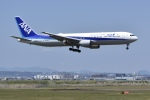 sawakazuさんが、仙台空港で撮影した全日空 767-381/ERの航空フォト(写真)