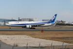 tomokichiさんが、伊丹空港で撮影した全日空 767-381/ERの航空フォト(写真)